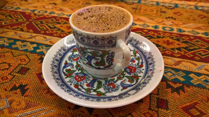Apukäsiä Turkkilaiseen iltapäivään / Helping hands to a Turkish afternoon